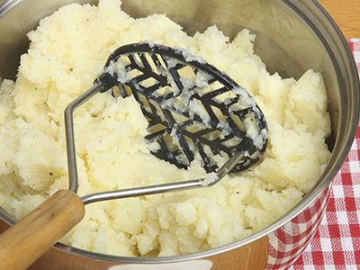 Mashed potatoes in pot