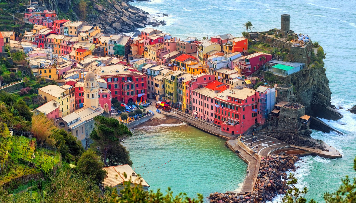 77113691_Vernazza-Italy.jpg