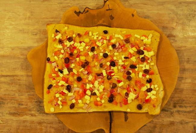 HummusPizzaFORWEB.jpg