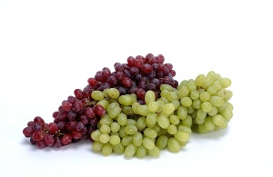 Green-and-red-grape2.jpg